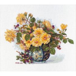 AEROFIL N120; sew thread M9125/8890