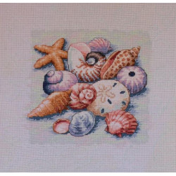 Counted Cross Stitch Kit Flowers in Teapot Linen PN/0155692